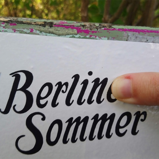 An image of a sticker reading Berlin Sommer